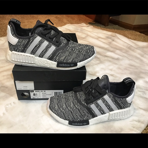 9852cac88 New in Box adidas nmd r1 women s black white 8 1 2